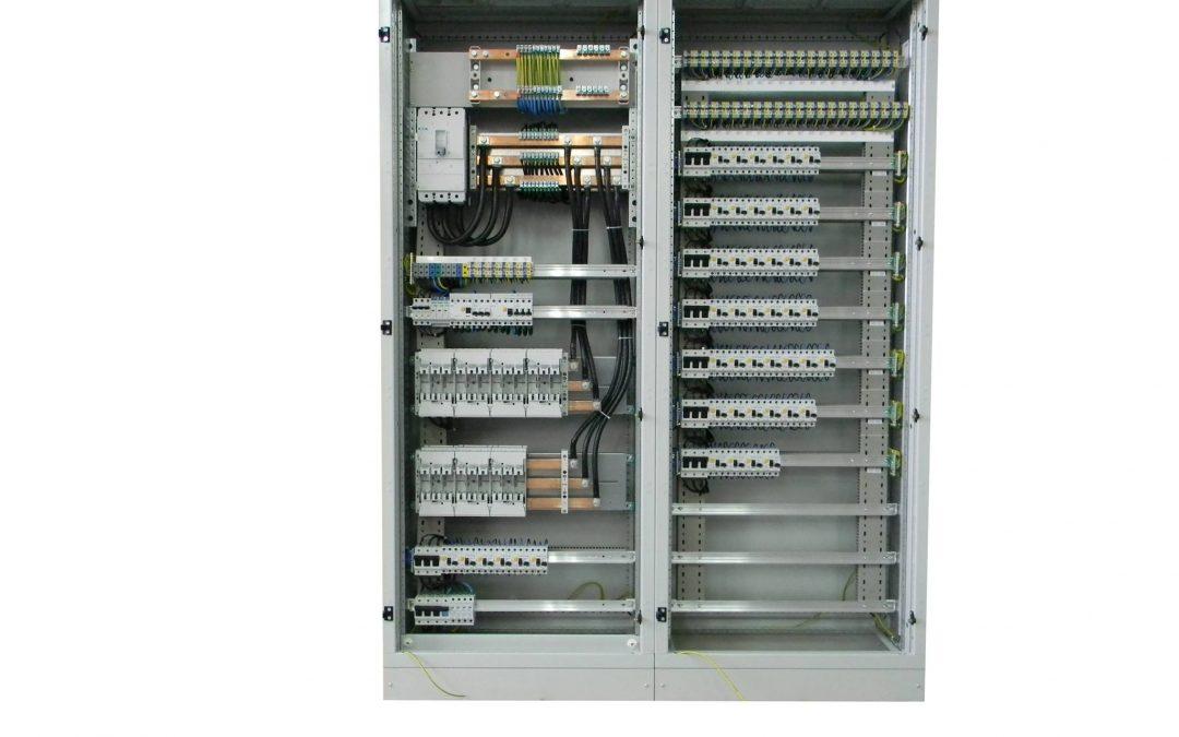 Rozdzielnica wolnostojąca 400A – nabazie stalowej obudowy XVTL IP55 EATON'a.